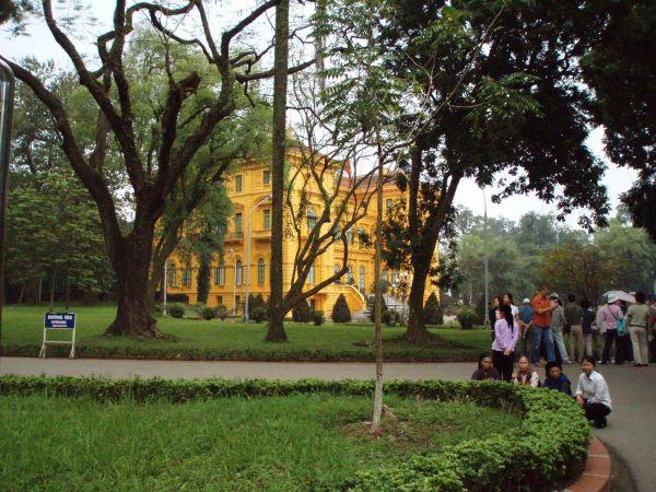La passion du vietnam ha noi mai 2010 for Au jardin du gouverneur